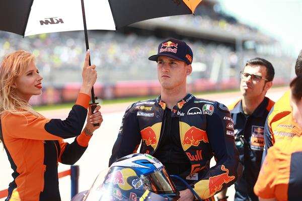 Pol Espargaro & Staff KTM RC16 Start Austin 2017
