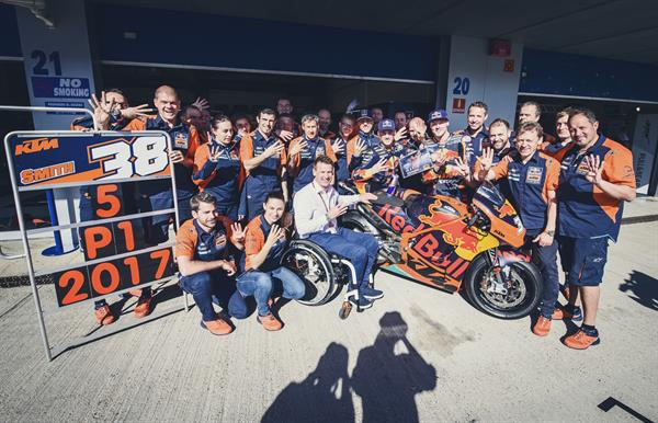 Red Bull KTM MotoGP Factory Racing Team Pit Lane Jerez 2017