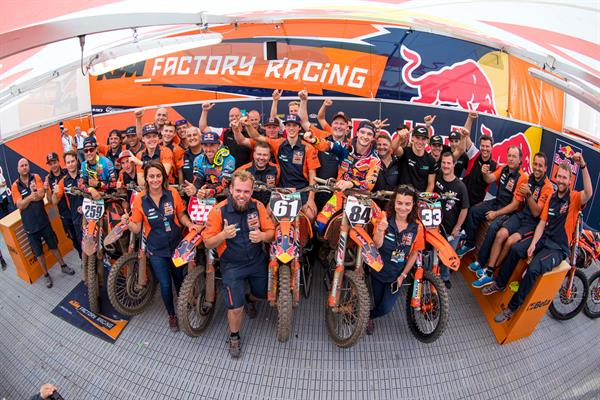 KTM family shot after MXGP of Belgium
