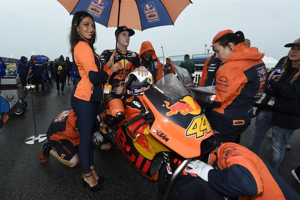 Pol Espargaro & Staff Start KTM RC16 Misano World Circuit 2017