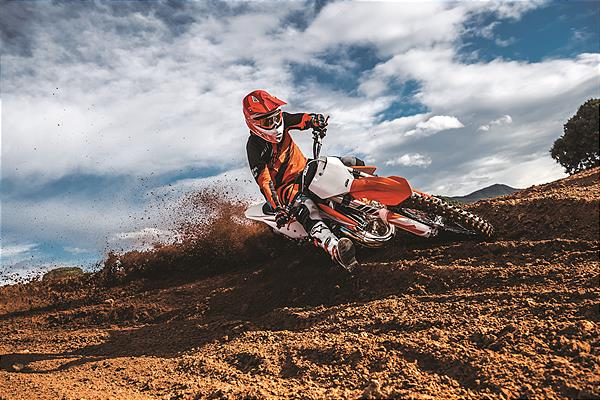 KTM 125 SX MY2019_Action 02