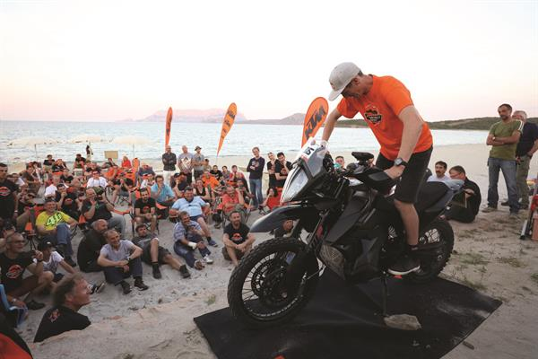 KTM 790 ADVENTURE R presentation_C. Birch_01