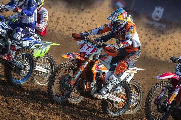 HERLINGS COMPLETES INDONESIAN MXGP ROUT, PRADO OWNS MX2