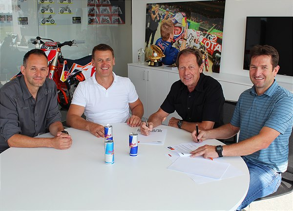 Jonas/Beirer/De Coster/Harrison sign new deal