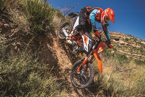 KTM 690 ENDURO R_Action 01