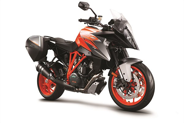 KTM 1290 SUPER DUKE GT ORANGE MY18_cases_RiFront