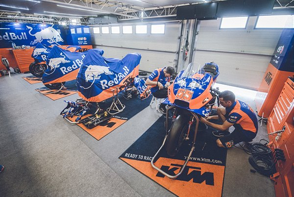 Red Bull KTM Factory Racing IRTA test 2019