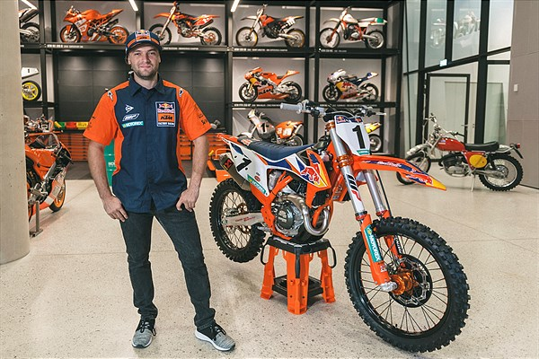 2020 KTM 450 SX-F FACTORY EDITION - C.WEBB (1)