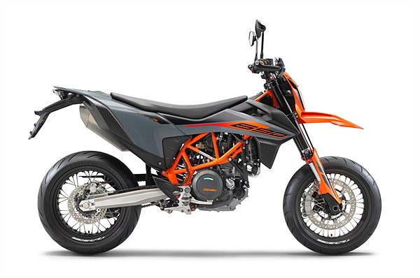 KTM 690 SMC R 2021 right